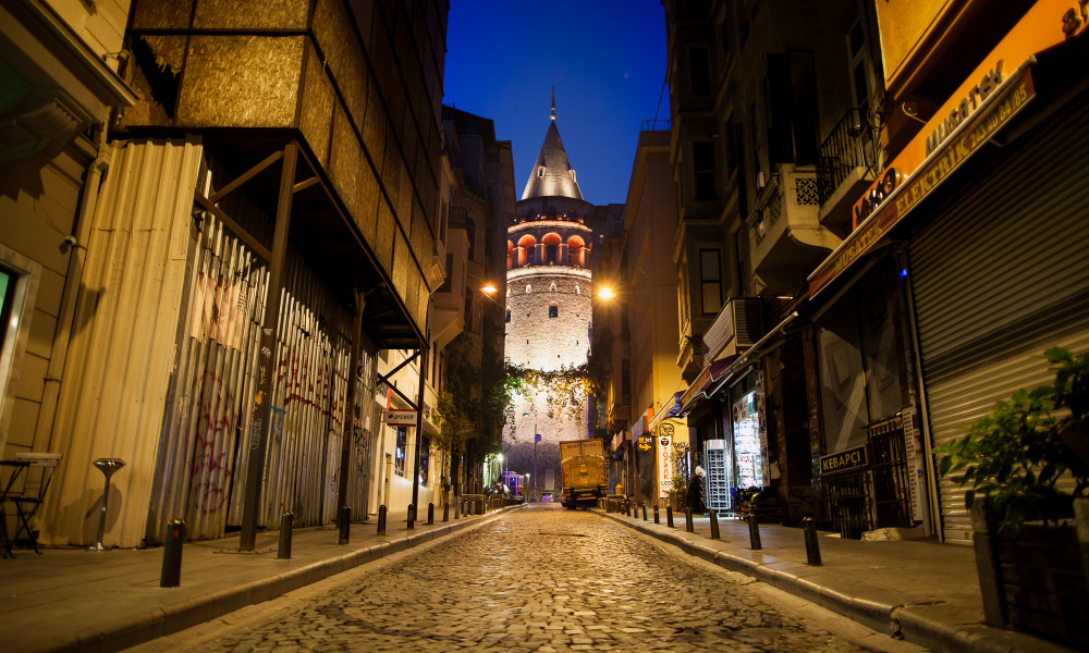 four hours istanbul…